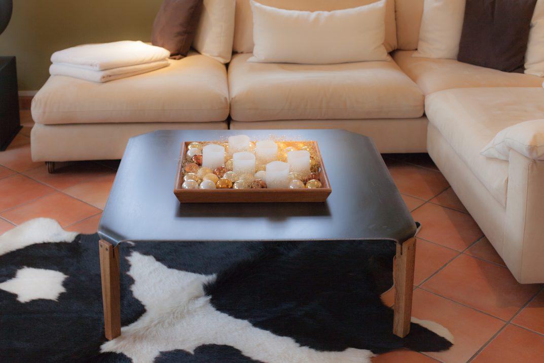 Steel-Craft - Tisch mit massiver Stahlplatte und Füßen aus Eiche