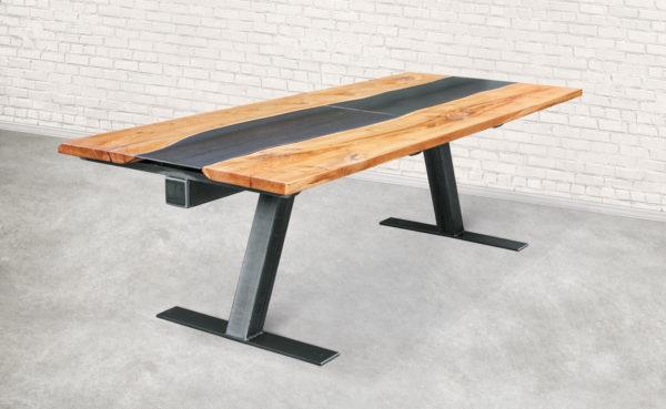 Steel-Craft - Tisch - Kontrast aus Stahl und Holz.